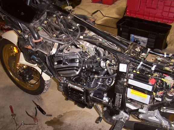 Honda Cb 750 Cafe Racer in addition 29602 Gl650 500 1100 Ignition Switch Interchangability additionally Honda Cb400f Wiring Diagram moreover CB400RectifierFAQ additionally 2000 Ford F 250 7 3 Wiring Diagram. on cx500 wiring diagram